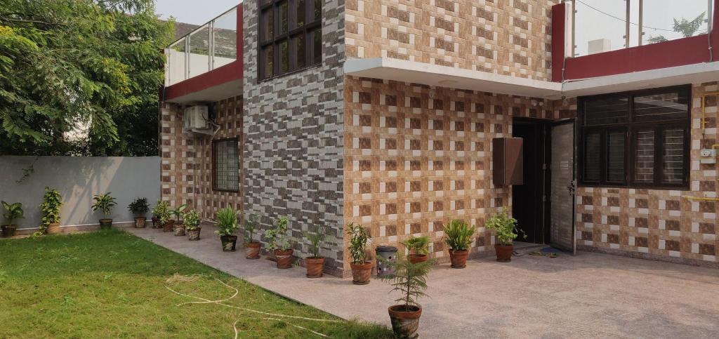 Royal Villa, Gautam Buddha Nagar