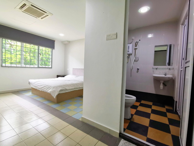 Two Bedrooms I Perin. Lukut Indah (Up to 4 Pax), Port Dickson
