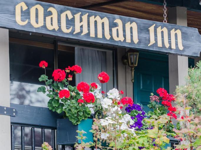 Coachman Inn, Island