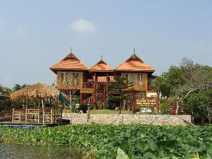 Hidden Holiday House, Nakhon Chaisi