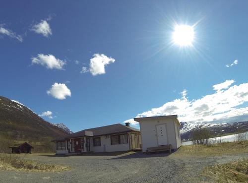 Lyngen Fjordcamp, Lyngen