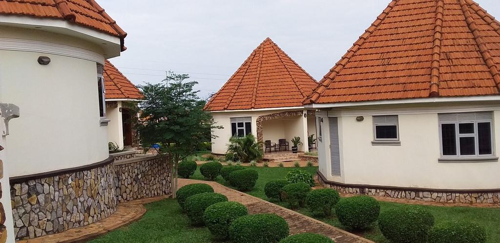 Kolping Hotel Masindi, Buruli