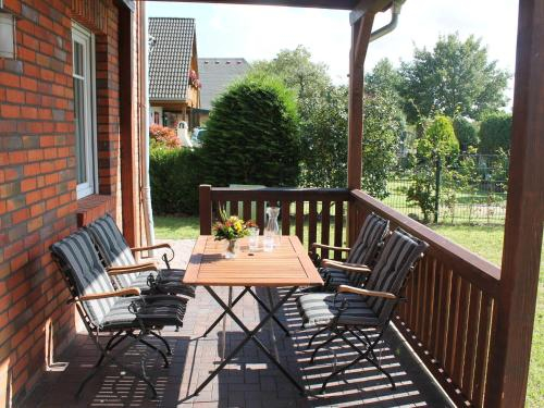 Scenic Holiday Home in Roggow with Private Terrace, Rostock