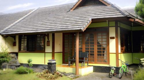 Villa Kota Bunga Ade Type Jepang - 0608, Bogor
