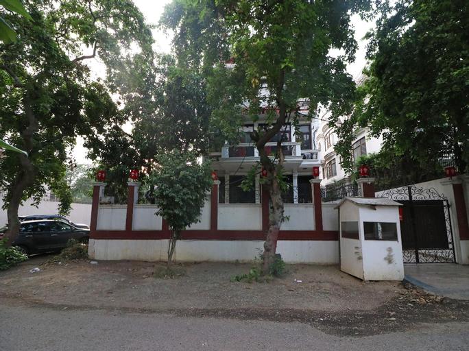 OYO Townhouse 330 MG Road Metro Station, Gurgaon