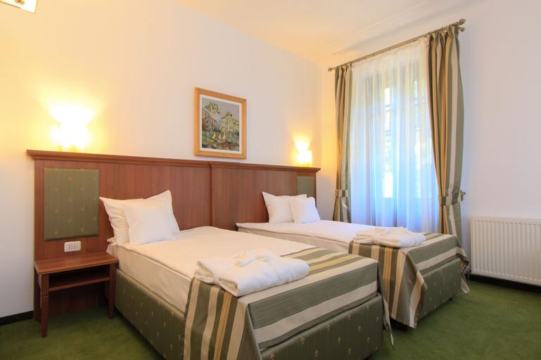 Hotel Palace, Prajila