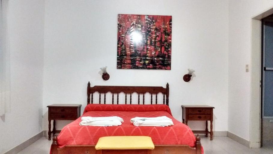 Hotel Cruce del Desierto, Puelén