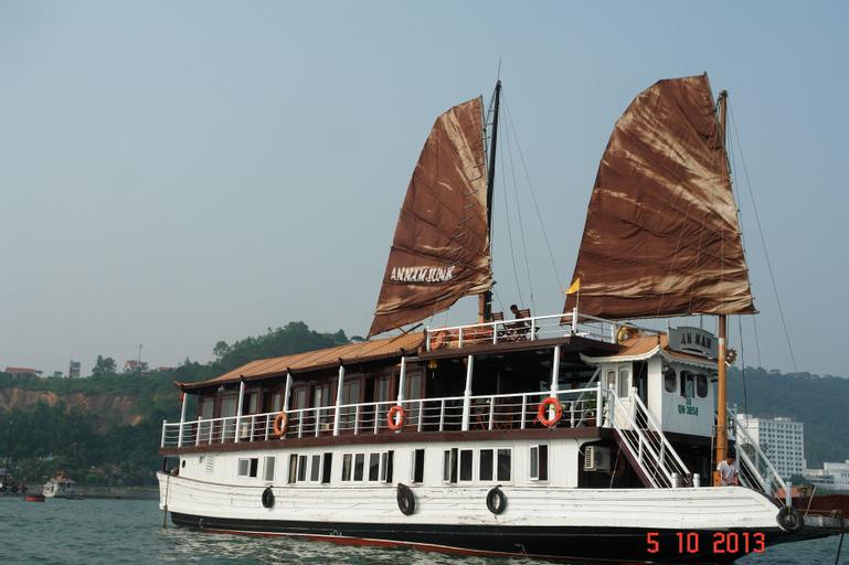 Annam Junk, Hạ Long
