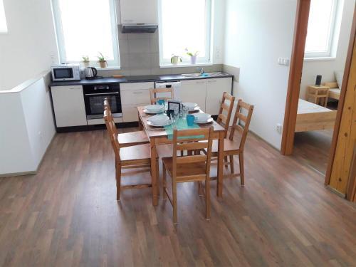 2 Bedroom Apartment, Brno - Reservoir, Brno-Venkov