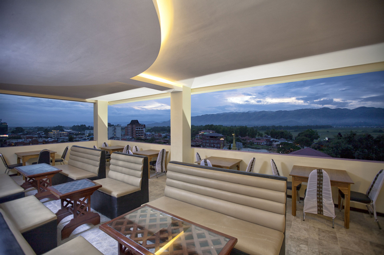 The Hotel Emperor Inle, Taunggye