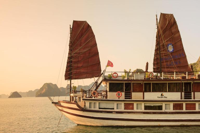 Garden Bay Premium Cruise, Hạ Long
