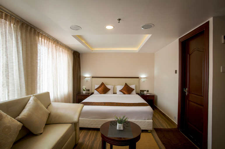 KGA Elite Continental Hotels, Pathanamthitta