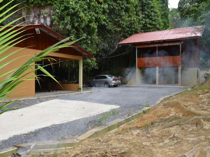 Pulai Holiday Village (Pet-friendly), Gua Musang