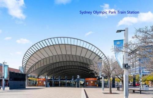 Cozy Spacious Home in Sydney Olympic Park, Auburn