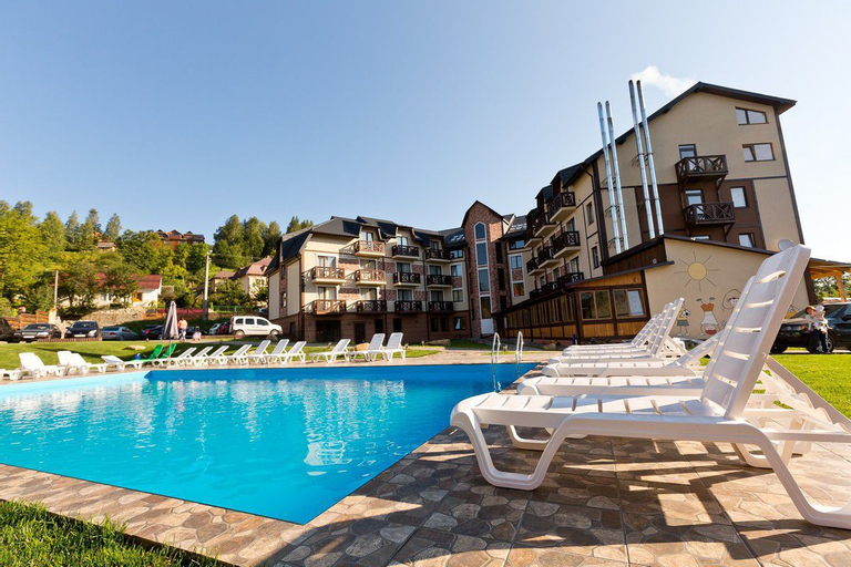 Rooms in hotel Premium Club (Pet-friendly), Iaremchans'ka