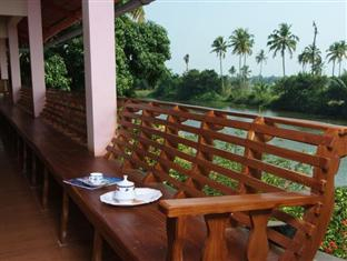 Backwater Breeze Hotel, Kottayam