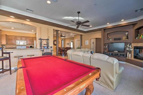 Ideally Located Bullhead City Townhome with Balcony!, Mohave