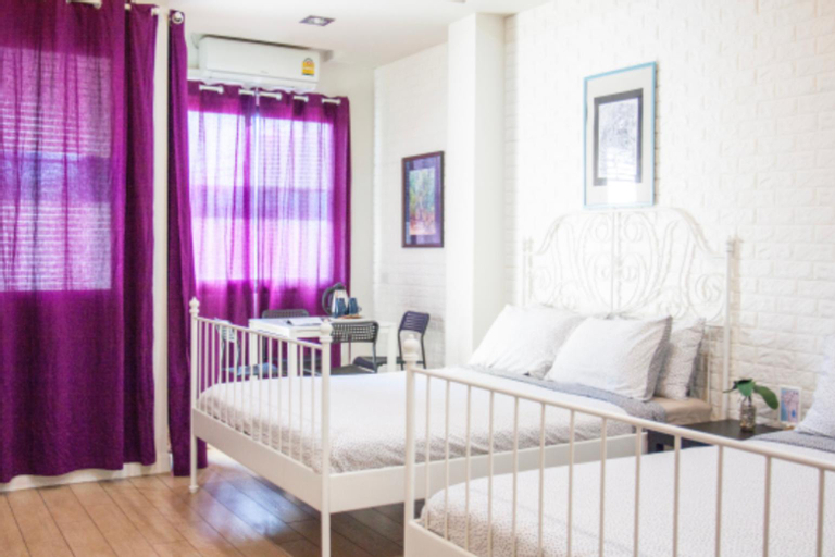 Family room for max4PAX at 26 bed and coffee , Muang Chon Buri