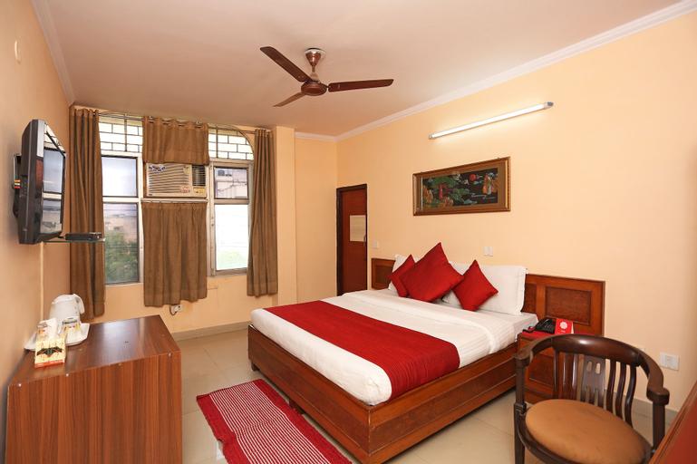 OYO 9301 Hotel RedBury, Ghaziabad