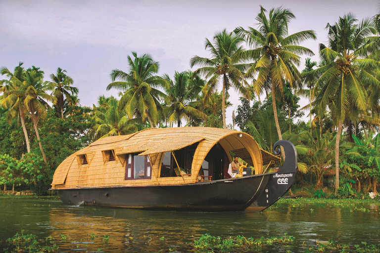 Pamba House Boat by Vista Rooms, Alappuzha