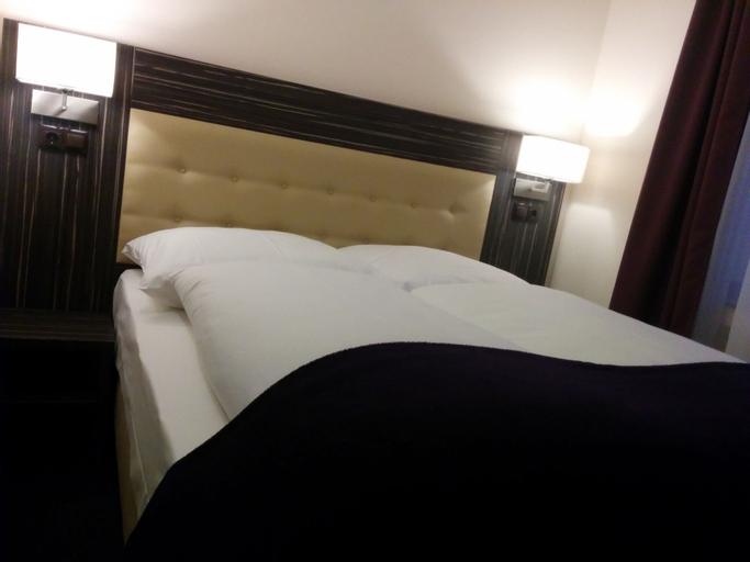 Hotel Famosa, Düsseldorf