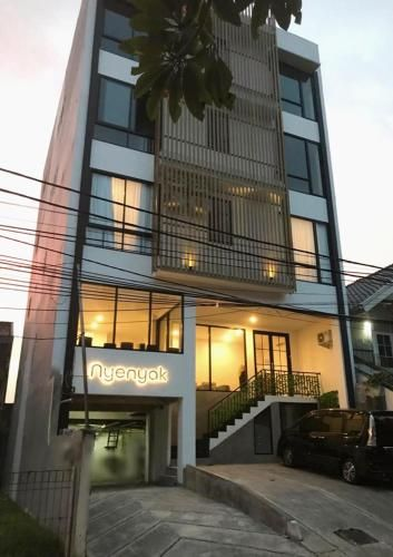 NYENYAK MRT Lebak Bulus | Simatupang, Jakarta Selatan