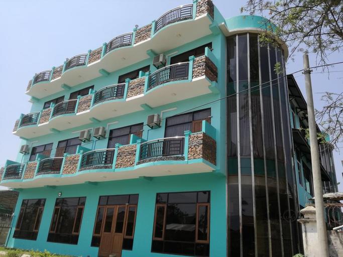 Gold Star Hotel, Taunggye