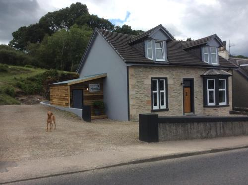Roselea Hunting Lodge, sea view, self catering, sleeps 4, dog friendly, Argyll and Bute