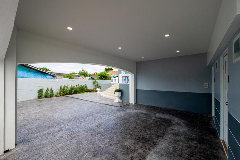 Auravintage House, Bang Lamung