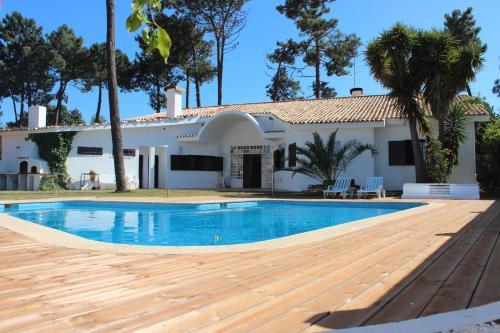 Villa near Beach & Lisbon, Seixal