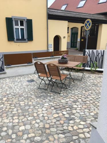 Schmuckkastle am Hafen, Wiesbaden