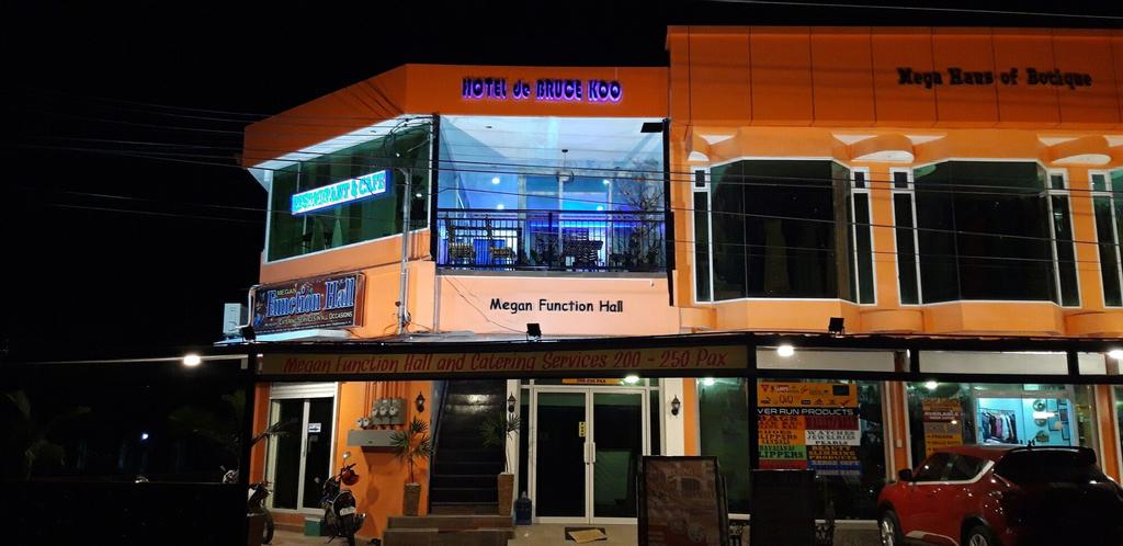 Hotel de Bruce Koo, Digos City