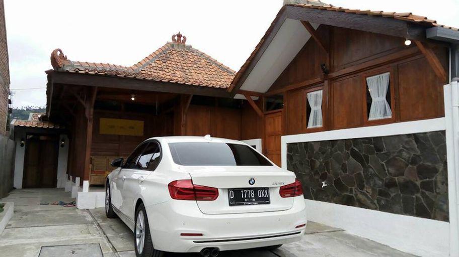 Villa Kayu Cikole Lembang Bandung (Wisata Alam), Bandung