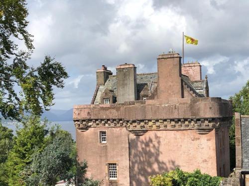 Castle Levan, Inverclyde