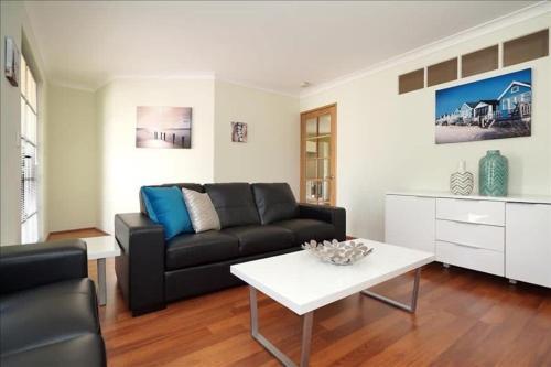 Swan River Applecross Heathcote Park 1BR Villa, South Perth