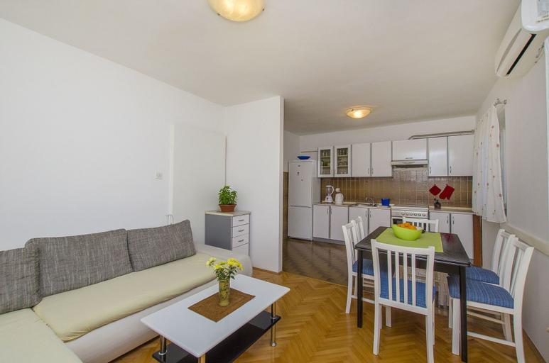 Apartment Danica, Makarska