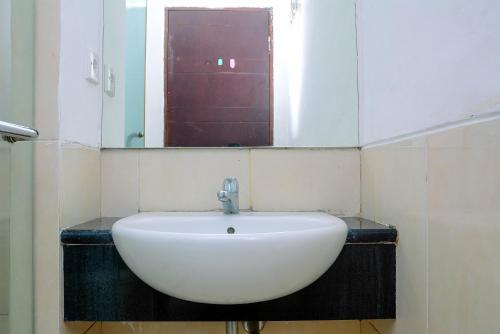 Best Price Studio Mangga Dua Apartment By Travelio, Central Jakarta