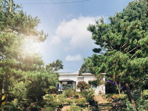 Holiday Home in Mountain Museong, Gongju