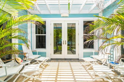 Papaya Cottage by Grand Cayman Villas,