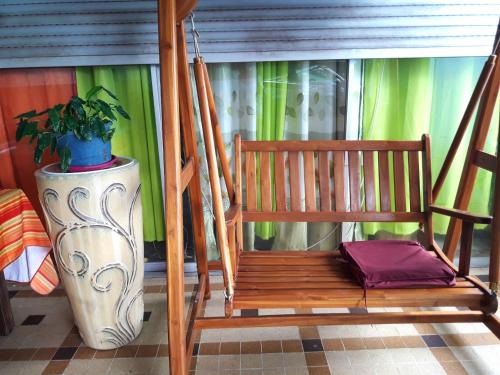 Apartment with one bedroom in FortdeFrance with wonderful sea view furnished terrace and WiFi, Fort-de-France
