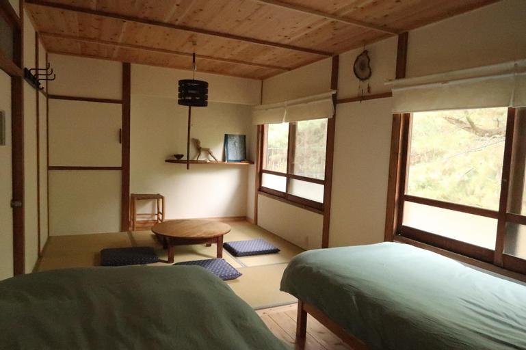Nada Beach House, Kitsuki