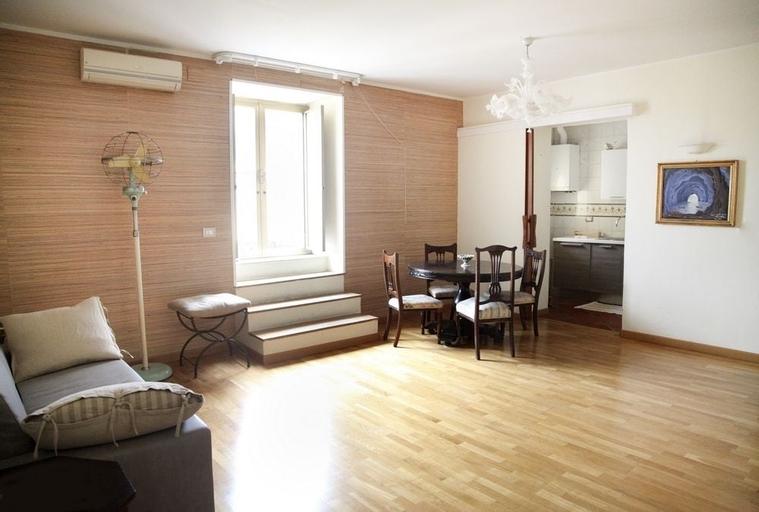 Gramsci Apartments, Napoli
