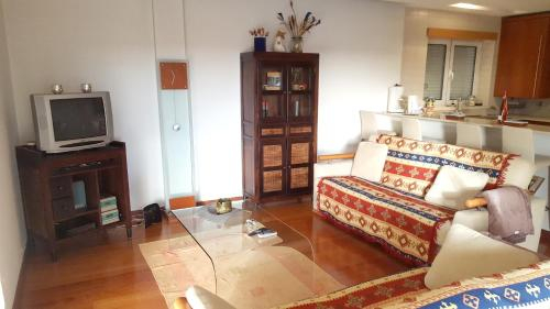 Apartment with 2 bedrooms in Leiria with wonderful city view balcony and WiFi 22 km from the beach, Leiria