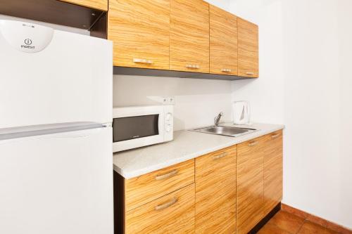 Zizkov Apartment Sleeps 3 with WiFi, Praha 8