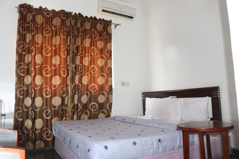 Phisbond Hotels, Uyo