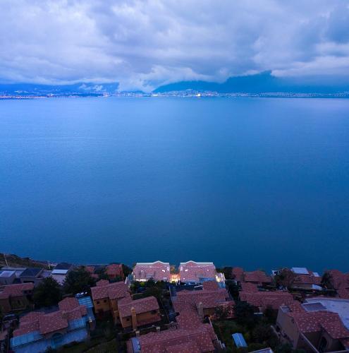 Mont XIX Full Lake View Luxury Villa, Dali Bai