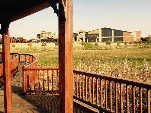 Caza Blanca Apartments ( La como Lifestyle Estate), Ekurhuleni