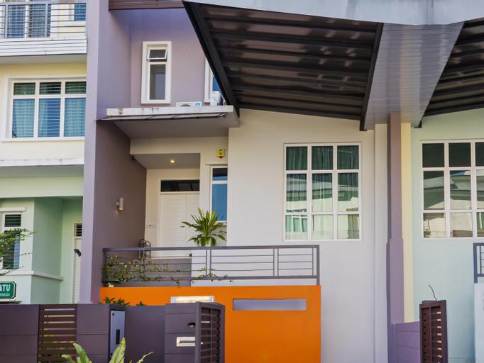 Shamrock Beach Villas 12, Pulau Penang