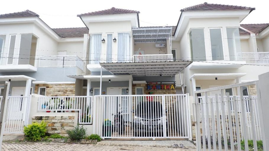Private Pool Villa Kartika Batu, Malang