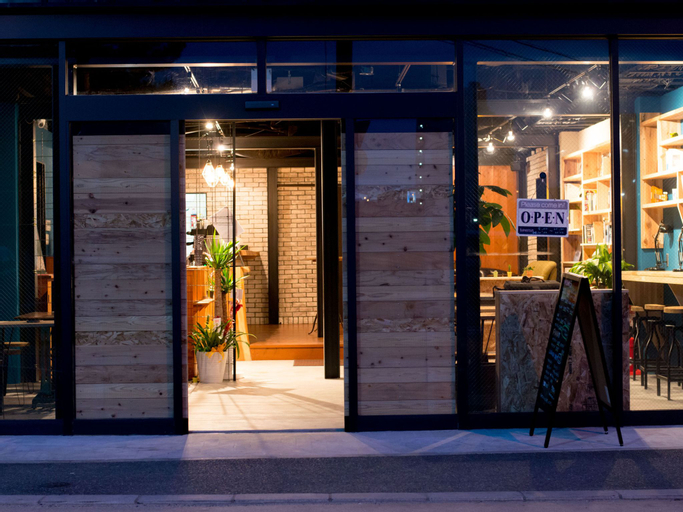 TONAGI Hostel and Cafe, Fukuoka